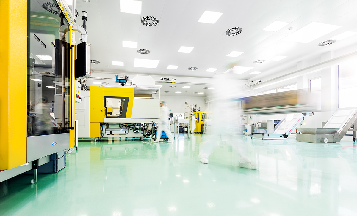 cleanroom at rose plastic medical packaging.